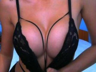 Picture of the sexy profile of LatinBigBoobsX, for a very hot webcam live show !