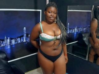 Picture of the sexy profile of SashaBigBoobsX, for a very hot webcam live show !