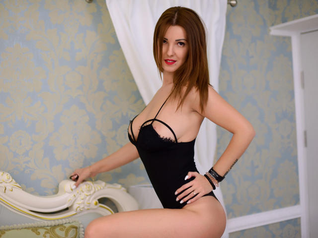 Picture of the sexy profile of IngaSweet, for a very hot webcam live show !