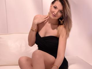 NatallyeMoore striptease