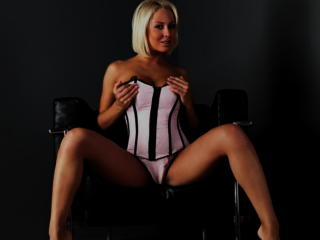 HotMatureBlondi from Xlovecam profile picture