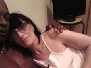 Milf live pussy show