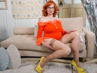 Foto de perfil sexy de la modelo AmazingBoobsShow, ¡disfruta de un show webcam muy caliente!