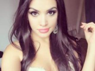 Foto de perfil sexy de la modelo BrunetteSweetGirl, ¡disfruta de un show webcam muy caliente!