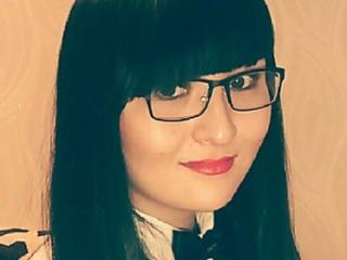 Hình ảnh đại diện sexy của người mẫu CaraFabulous để phục vụ một show webcam trực tuyến vô cùng nóng bỏng!