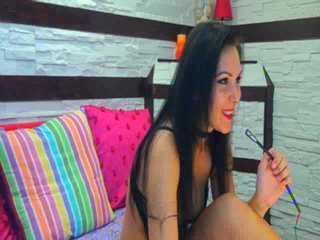 HotKarrinaX szexi modell képe, a nagyon forró webkamerás élő show-hoz!