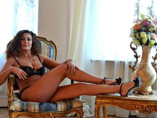 Velmi sexy fotografie sexy profilu modelky JuliannaX pro live show s webovou kamerou!