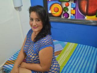 Foto de perfil sexy de la modelo LisviHOT, ¡disfruta de un show webcam muy caliente!