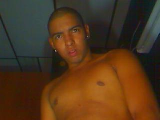 Picture of the sexy profile of MassyStud, for a very hot webcam live show !