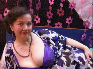 Фото секси-профайла модели MaturMilf, веб-камера которой снимает очень горячие шоу в режиме реального времени!