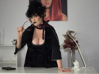 Picture of the sexy profile of MissBeast, for a very hot webcam live show !