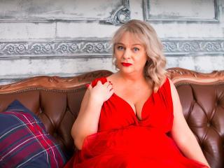 Foto de perfil sexy de la modelo MissIlanitas, ¡disfruta de un show webcam muy caliente!