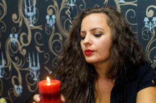 Foto de perfil sexi, da modelo MistressDark, para um live show webcam muito quente!