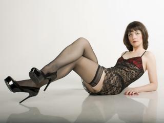 Hình ảnh đại diện sexy của người mẫu MollysPlace để phục vụ một show webcam trực tuyến vô cùng nóng bỏng!