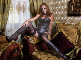 Hình ảnh đại diện sexy của người mẫu PervertChristin để phục vụ một show webcam trực tuyến vô cùng nóng bỏng!