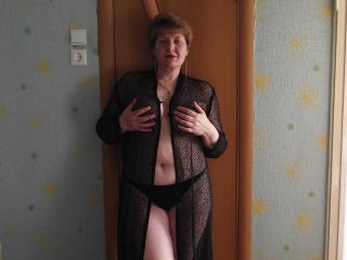 Photo de profil sexy du modèle PrettyLusi69, pour un live show webcam très hot !