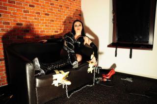 Photo de profil sexy du modèle QueenMorticia, pour un live show webcam très hot !