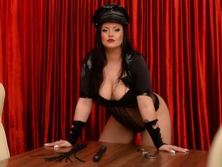 Foto de perfil sexi, da modelo QueenScarlet, para um live show webcam muito quente!