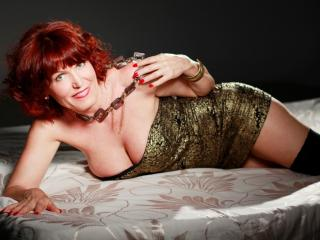 Picture of the sexy profile of RedHeadMature, for a very hot webcam live show !