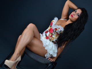 Photo de profil sexy du modèle VeronicaKox, pour un live show webcam très hot !