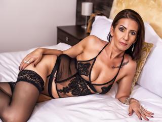 Foto de perfil sexy de la modelo XeniaMILF, ¡disfruta de un show webcam muy caliente!