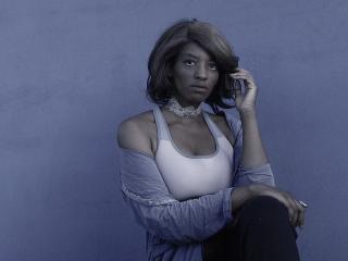 Foto de perfil sexy de la modelo Yliah, ¡disfruta de un show webcam muy caliente!