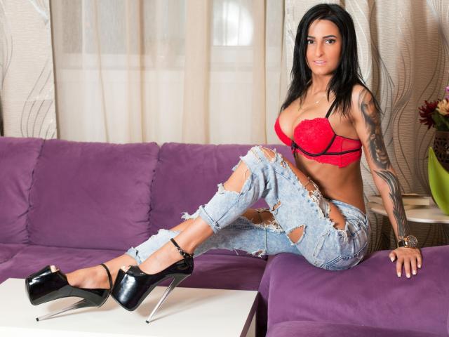 Foto de perfil sexy de la modelo LaylaRees, ¡disfruta de un show webcam muy caliente!