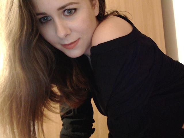 Foto de perfil sexy de la modelo MissDonia, ¡disfruta de un show webcam muy caliente!