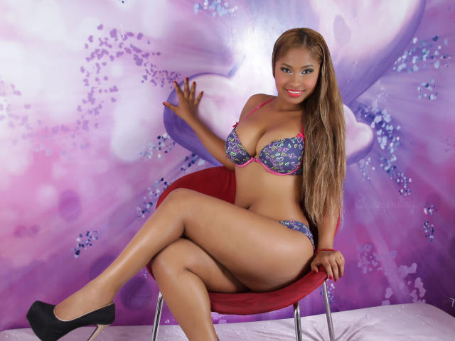 Photo de profil sexy du modèle PerfectBabeX, pour un live show webcam très hot !