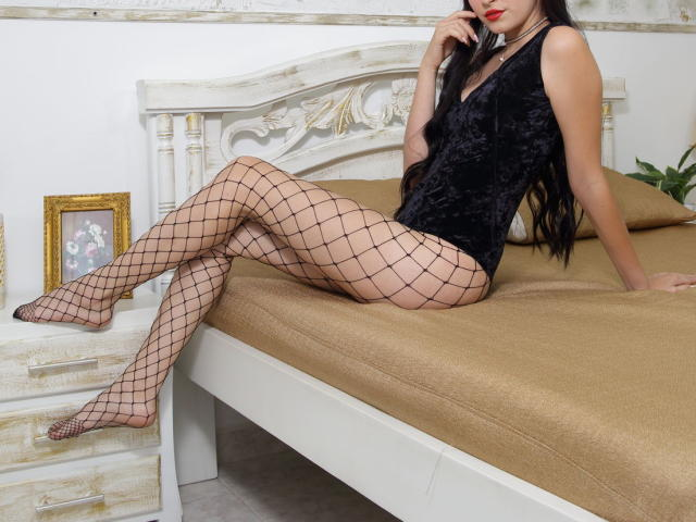Picture of the sexy profile of SindyGold, for a very hot webcam live show !