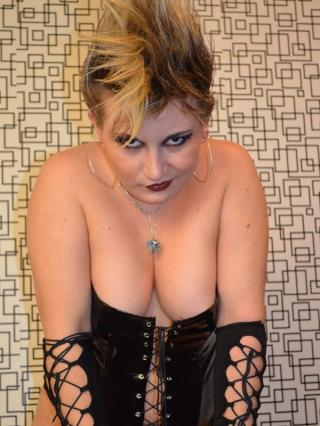 BelleMystique - Sexy live show with sex cam on XloveCam