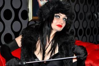 Sexy nude photo of EvaDominatrix