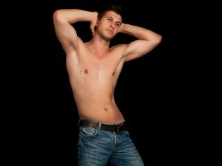 BlakeDiaz - Sexy live show with sex cam on XloveCam