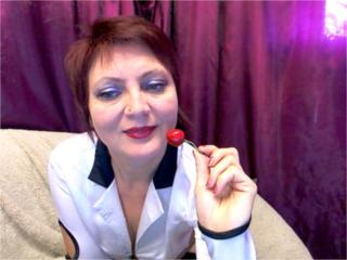 MatureEva - Chat live hard with this Gorgeous lady with regular tits