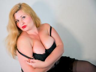 BustyPrettyWoman photo gallery