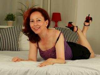 OneFlirtMadam - Sexy live show with sex cam on XloveCam