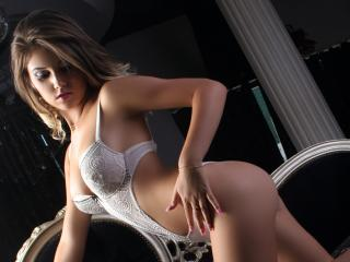NellieCute - Sexy live show with sex cam on XloveCam