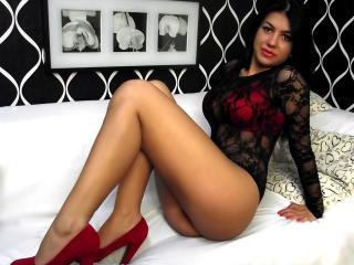 AvyMedineer - Sexy live show with sex cam on XloveCam