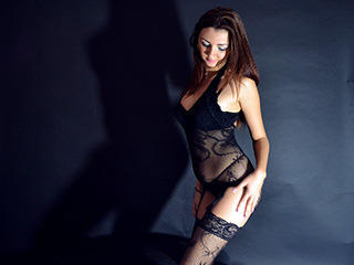 SensualReynna - Sexy live show with sex cam on XloveCam