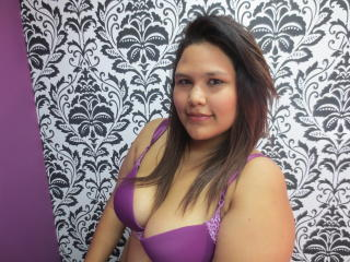 KimberleyHot - Sexy live show with sex cam on XloveCam