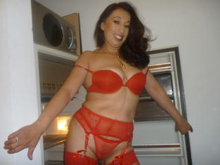 GoldieMilf - Show sexy y sexo en vivo por webcam en directo en XloveCam