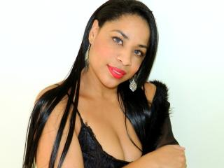 AlishaQueen - Sexy live show with sex cam on XloveCam
