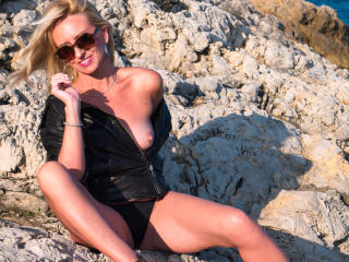 MarinaBlondy - Sexy live show with sex cam on XloveCam