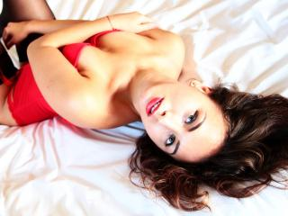 CharmanteAlexa - Sexy live show with sex cam on XloveCam