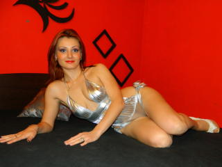 InnaButterfly - Sexy live show with sex cam on XloveCam