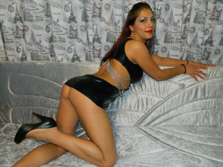 SedussanteYeux - Sexy live show with sex cam on XloveCam
