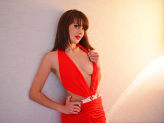 EmyttaRouge - Sexy live show with sex cam on XloveCam