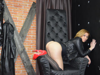 PornBlondee - Sexy live show with sex cam on XloveCam