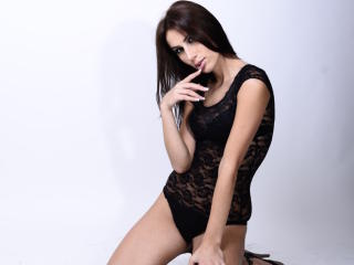 Roberta69 - Sexy live show with sex cam on XloveCam