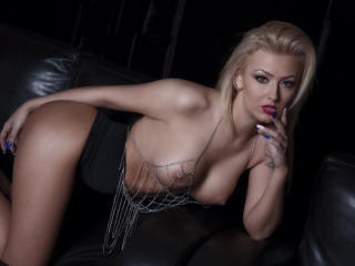 SpicyAlicia - Live chat exciting with this platinum hair Sexy girl